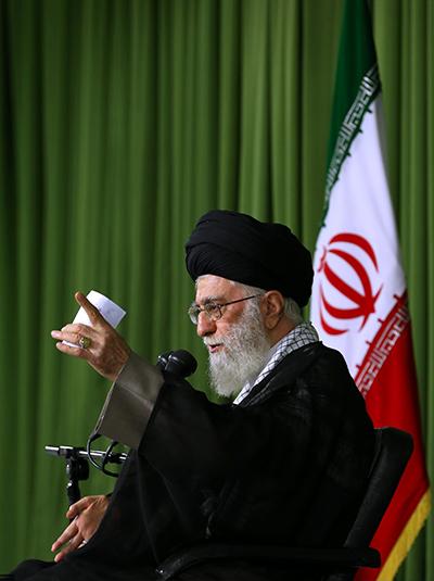 دشمن با حیلهگری بهدنبال سلب مؤلفههای قدرت جمهوری اسلامی است