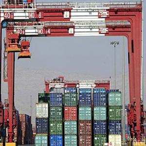 ۶ دستگاه کانتینر قاچاق کالا در بندرعباس توقیف شد