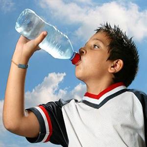 توصیه های طب سنتی برای نوشیدن آب + اینفوگرافی