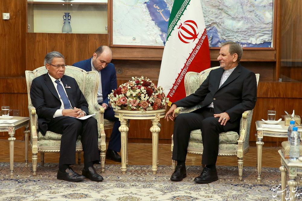 جهانگیری: رفع موانع بانکی مهمترین پیش نیاز توسعه روابط اقتصادی ایران و مالزی است