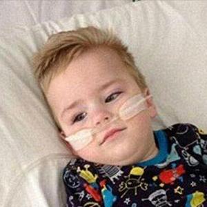 بیماری مرموز در کودکی که پزشکان هنوز نامی برای آن پیدا نکرده اند+ تصاویر