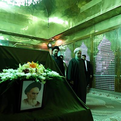 تجدید میثاق روحانی و اعضای هیات دولت با آرمانهای امامخمینی(ره) و شهیدان+ تصاویر
