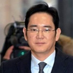 پنج مدیر سامسونگ به اختلاس و پرداخت رشوه متهم شدند