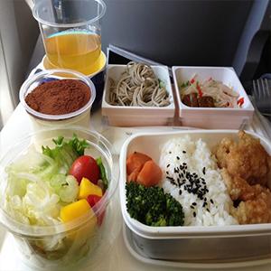 دنیای پشت پرده سرو غذا در خطوط هوایی