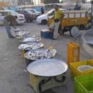 جولان دستفروشان دوره گرد در خیابان های آبادان