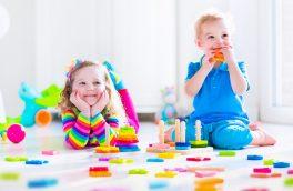 مزایای تنها بازی کردن کودکان چیست؟
