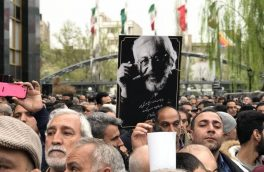 تشییع پیکر جمشید مشایخی با حضور گسترده مردم