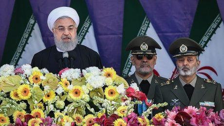 پایان تیتر: روحانی در رژه روز ارتش