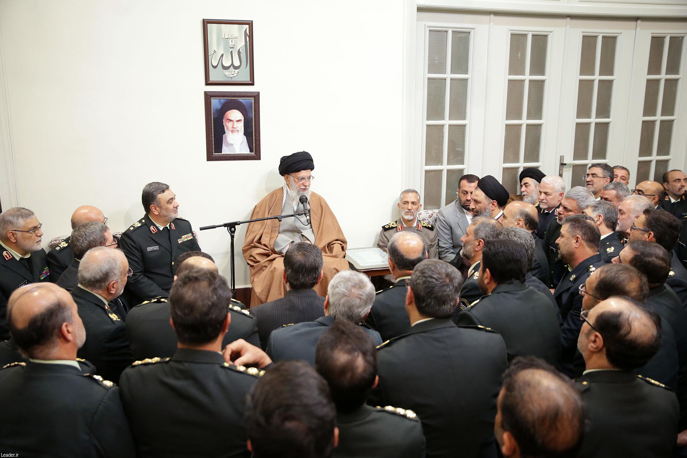 پایان تیتر: دیدار فرماندهان و مدیران نیروی انتظامی
