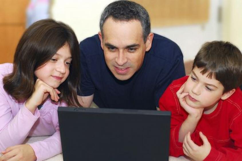 نقش والدین در امنیت سایبری فرزندان