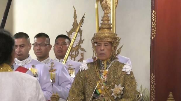 پایان تیتر: تاجگذرای پادشاه تایلند