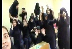 رقص در یکی از مدارس مهاباد، مدیر مدرسه را برکنار کرد