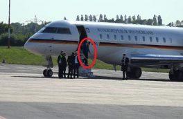 هواپیمای صدراعظم آلمان تصادف کرد + تصاویر
