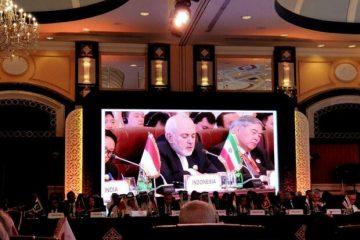ظریف: باید بصورت دسته جمعی به یکجانبه گرایی هشداردهنده دولت کنونی ایالات متحده آمریکا بپردازیم