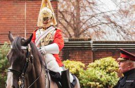 پس از ۳۵۰ سال یک زن به گارد سلطنتی انگلیس پیوست + عکس