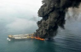 جزئیات حادثه آتش سوزی دو فروند نفتکش خارجی عبوری در دریای عمان