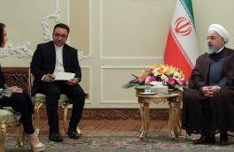 آمریکا دست به تروریسم اقتصادی علیه ملت ایران زده و حتی در مواد دارویی و غذایی هم اعمال تحریم میکند