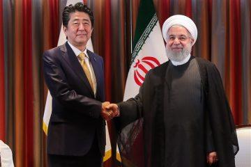 استقبال رسمی روحانی از نخست وزیر ژاپن