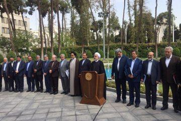 خبرنگاران بدون هیچ لکنت زبانی نواقص دولت را بیان کنند