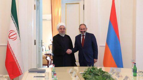 پایان تیتر: روحانی و نیکول پاشینیان نخست وزیر ارمنستان