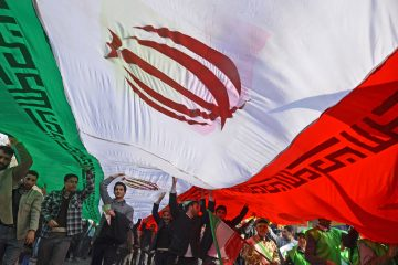 شعار مرگ بر روحانی در راهپیمایی ۲۲ بهمن !