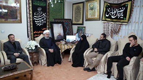 پایان تیتر: حسن روحانی در منزل شهید سپهبدسلیمانی